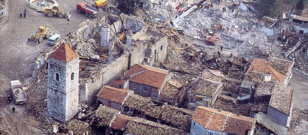 Terremoto del 1980: distruzione a Lioni